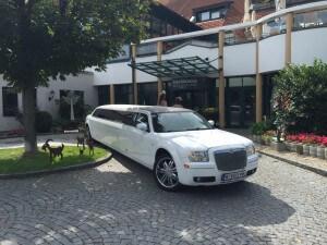 Stretchlimousine mieten Wien, limousine mieten, party Limousine mieten Wien